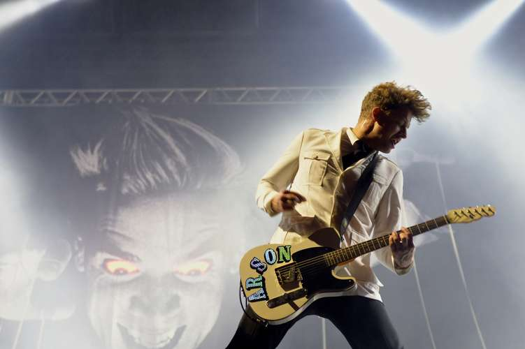the-hives-sp-02