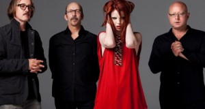 Clipe: Garbage – The Chemicals
