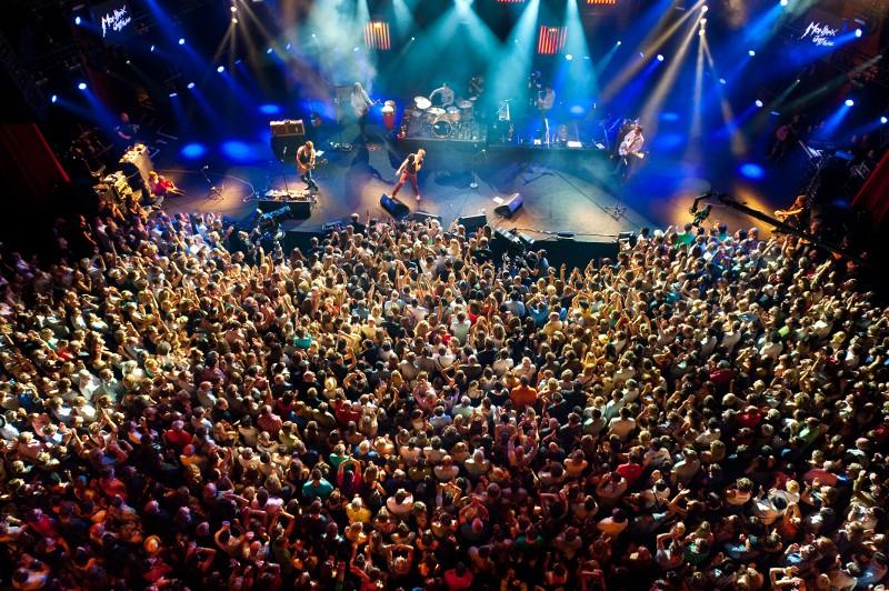 Paolo Nutini durante apresentação no Montreux Jazz Festival. [Foto: Divulgação]