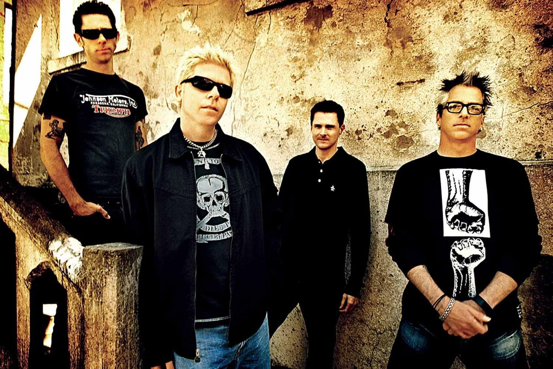 Resultado de imagem para Novidades sobre novo álbum do The Offspring, segundo guitarrista