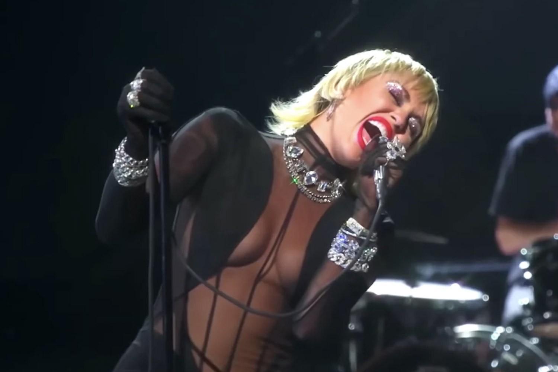 Miley Cyrus no iHeart Music Festival