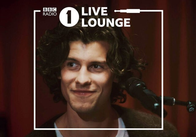 Shawn Mendes no Live Lounge, da BBC Radio 1