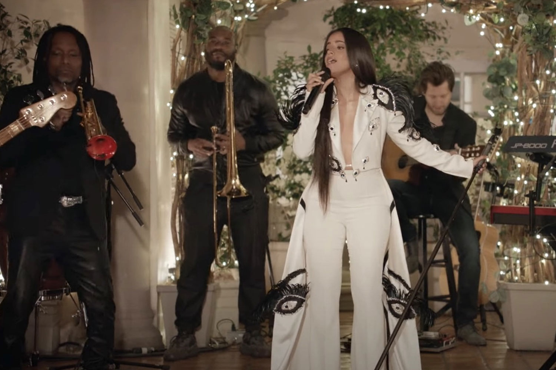 Camila Cabello no Live Lounge